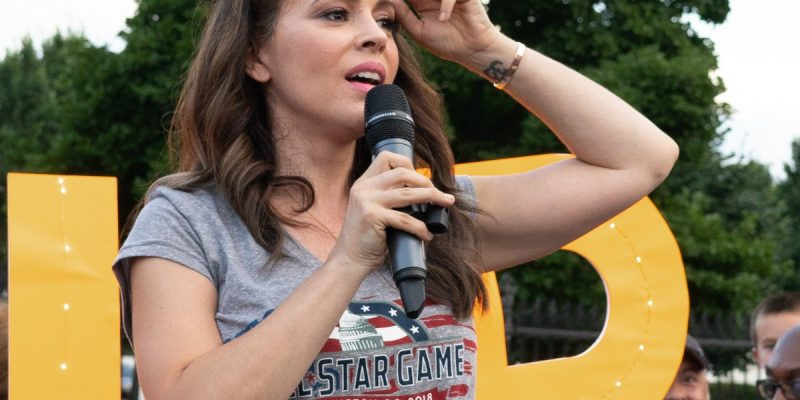 Photo of Alyssa Milano at a demonstration in front of the White House.